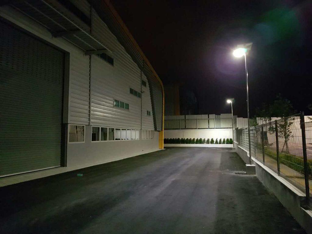 Đèn led nhà xưởng năng lượng mặt trời