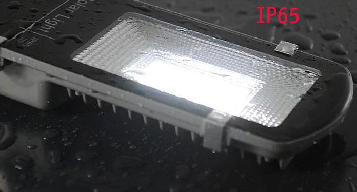 Đèn năng lượng mặt trời chuẩn chống nước IP65