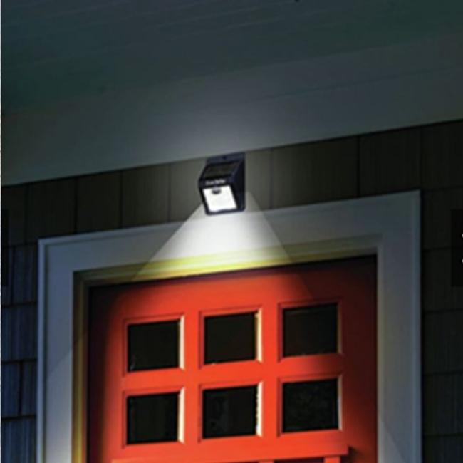 đèn cảm biến năng lượng mặt trời 4w thực tế