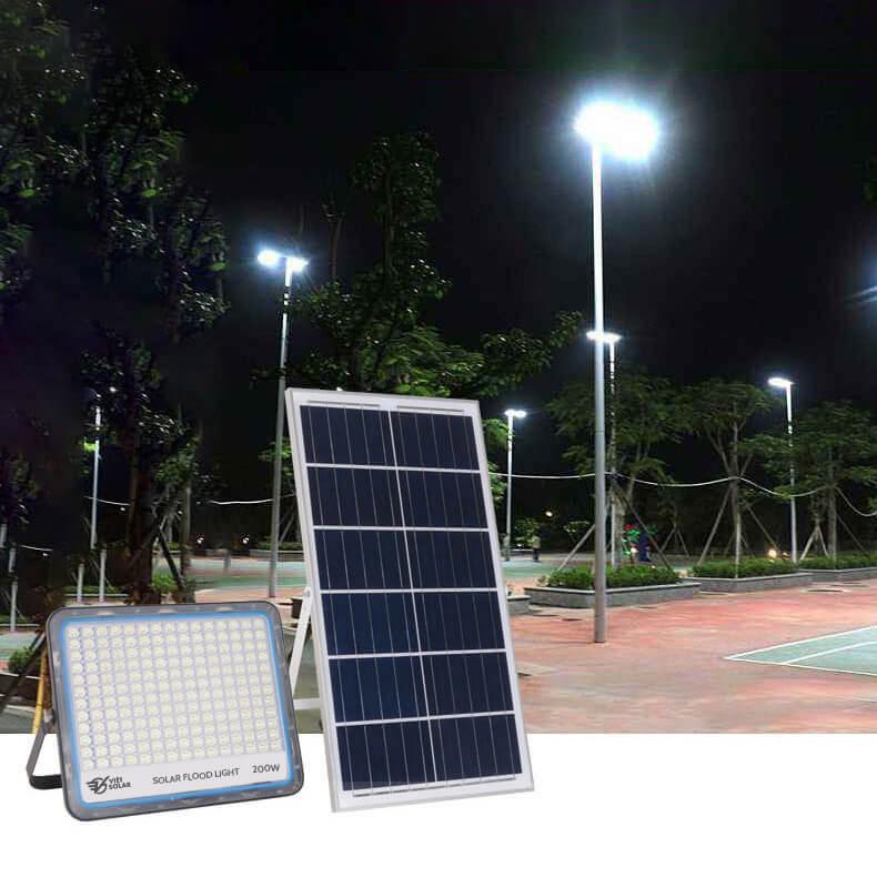 đèn năng lượng mặt trời 200w mới nhất